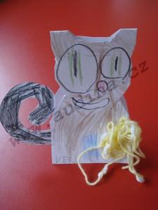kočka a klubíčko