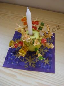 Svícen z jablka